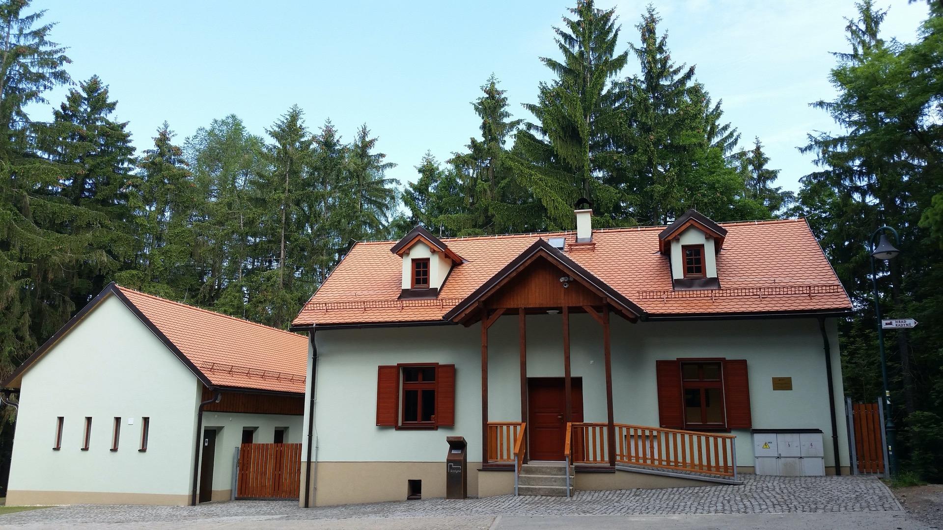 Centrum služeb pro turisty pod Radyní